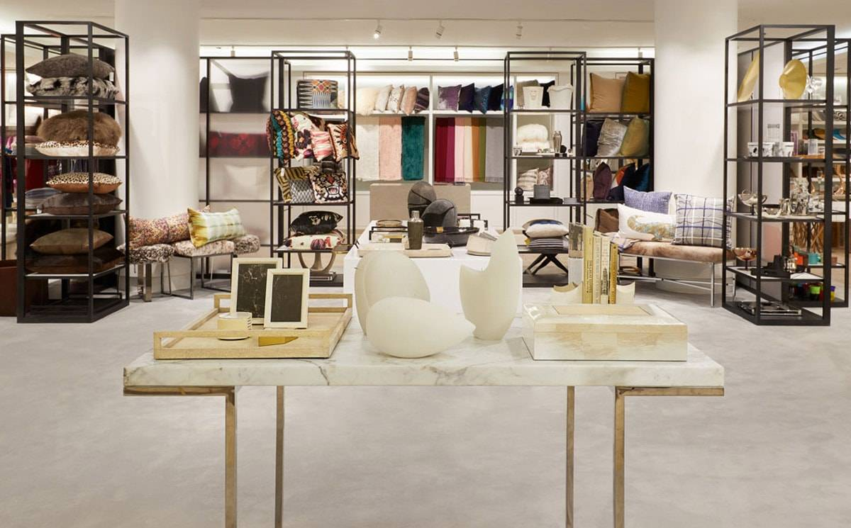 Barneys Madison Avenue to remain open for at least another year