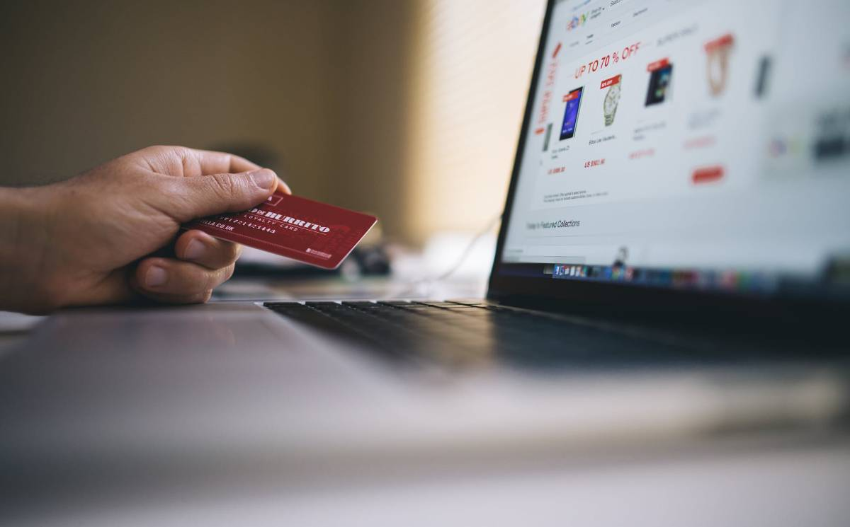 Pandemic spurs online shopping transactions to grow to 4.4 trillion dollars by 2025