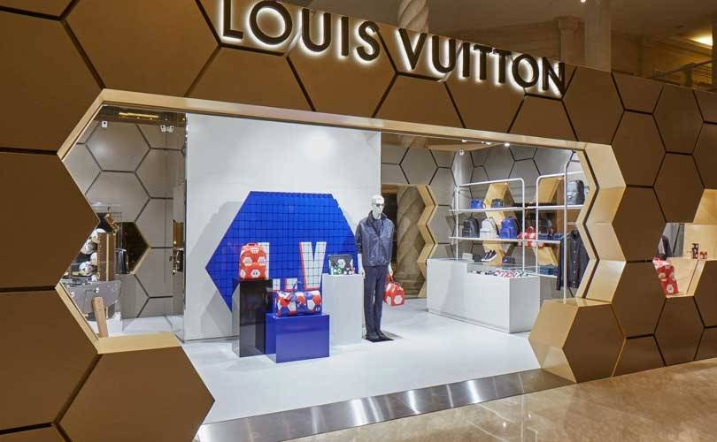 Louis Vuitton lowers retail prices in China