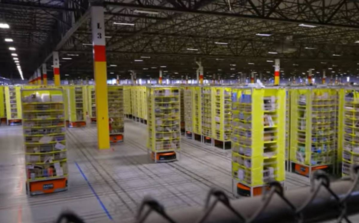 E-commerce drivendemand for warehouses cheers the real estate industry in the U.S.