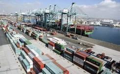 Problems at US West Coast ports costing retailers 7 billion dollars
