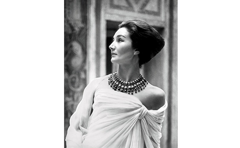 New York's Met honors fashion muse Jacqueline de Ribes