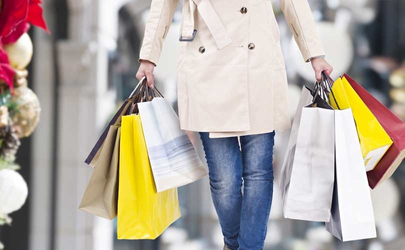 Holiday shopping survey finds increase in consumer spending