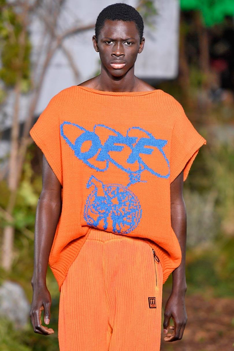 07d83935 Even down to detailing with double pockets, looser fits are key. Off-White  and Sacai showed drop shoulder T-shirts, while others opted for oversized  roll ...