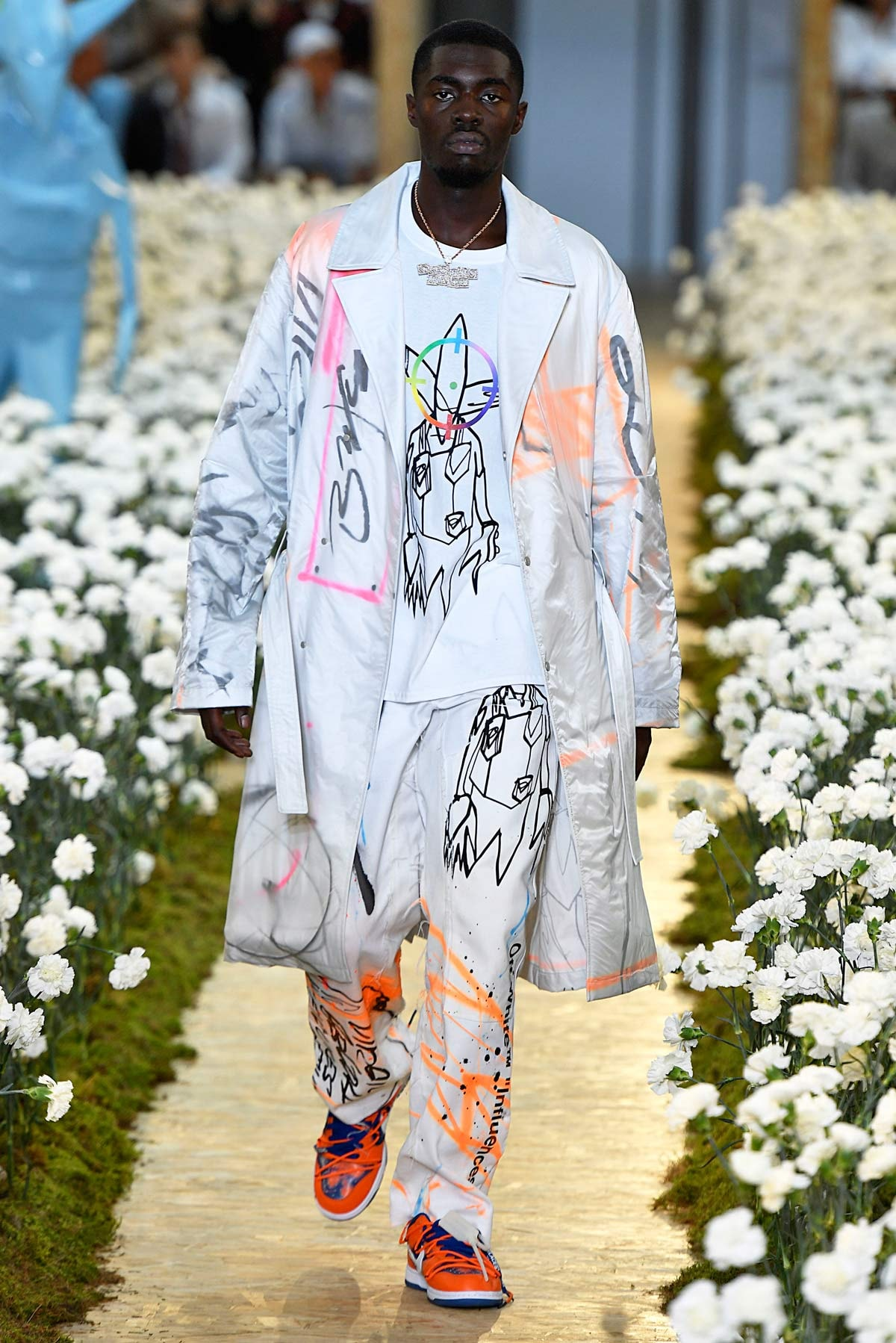 Virgil Abloh brings out stars for Off White Paris fashion show