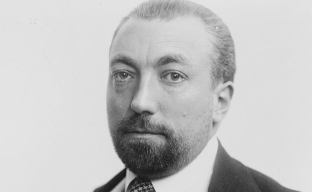paul poiret Pierre poiret naudé (15 april, 1646 – 21 may, 1719) was a prominent 17th century french mystic and christian philosopher he was born at metz april 15, 1646 and.