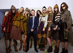 LFW: Burberry Tweetwalk