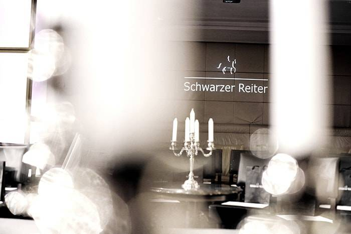 Schwarzer Reiter BLCKLBL: Devoted to Style
